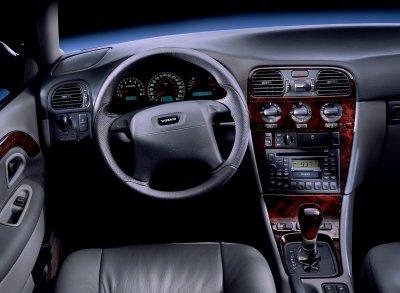 2000 Volvo S40 instrumentation