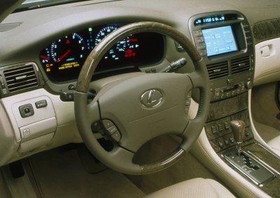 2001 Lexus LS430 interior