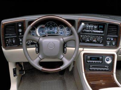 2002 Cadillac Escalade interior