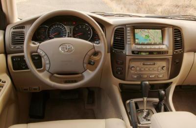 2003 Toyota Land Cruiser instrumentation