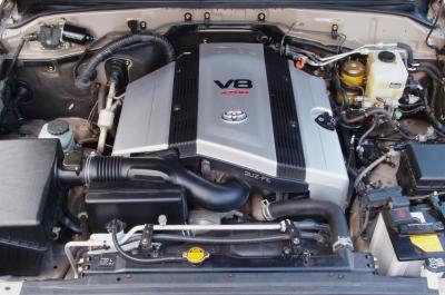 2003 Toyota Land Cruiser engine