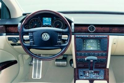 2003 Volkswagen Phaeton interior