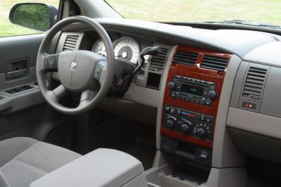 2004 Dodge Durango interior