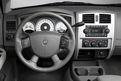 2005 Dodge Dakota Instrumentation