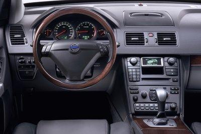 2005 Volvo XC90 V-8 Instrumentation