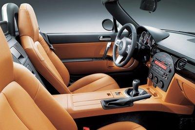 2006 Mazda MX-5 Miata Interior