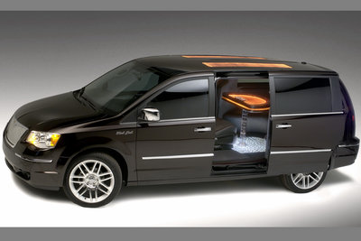 2007 Chrysler Town & Country Black Jack