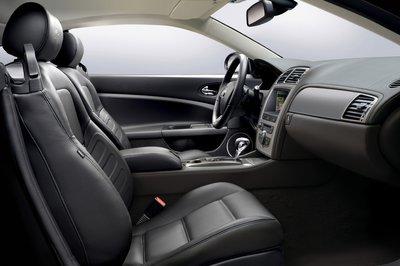 2007 Jaguar XKR Coupe Interior
