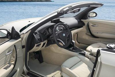 2009 BMW 1-Series Convertible Interior