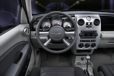 2009 Chrysler PT Cruiser Woodward Dream Cruise Edition Instrumentation