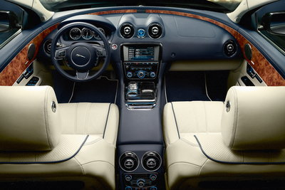2010 Jaguar XJ Interior