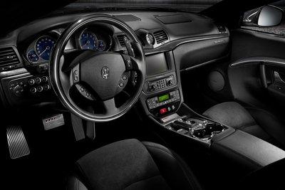 2010 Maserati Granturismo S Instrumentation