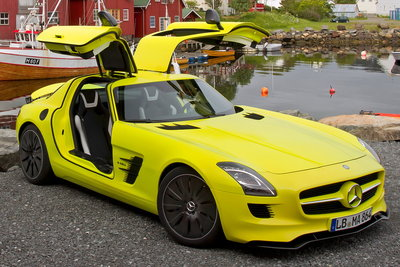 2010 Mercedes-Benz SLS AMG E-CELL