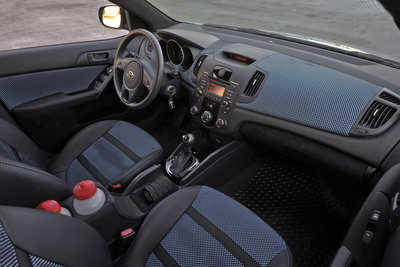 2011 Kia Hat Trick Forte 5-Door Interior