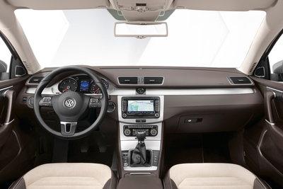 2011 Volkswagen Passat Instrumentation