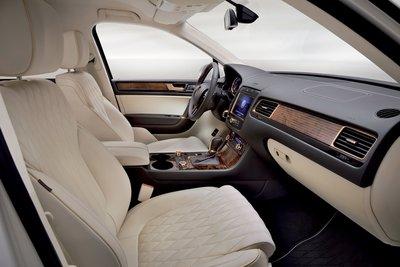 2011 Volkswagen Touareg Gold Edition Interior