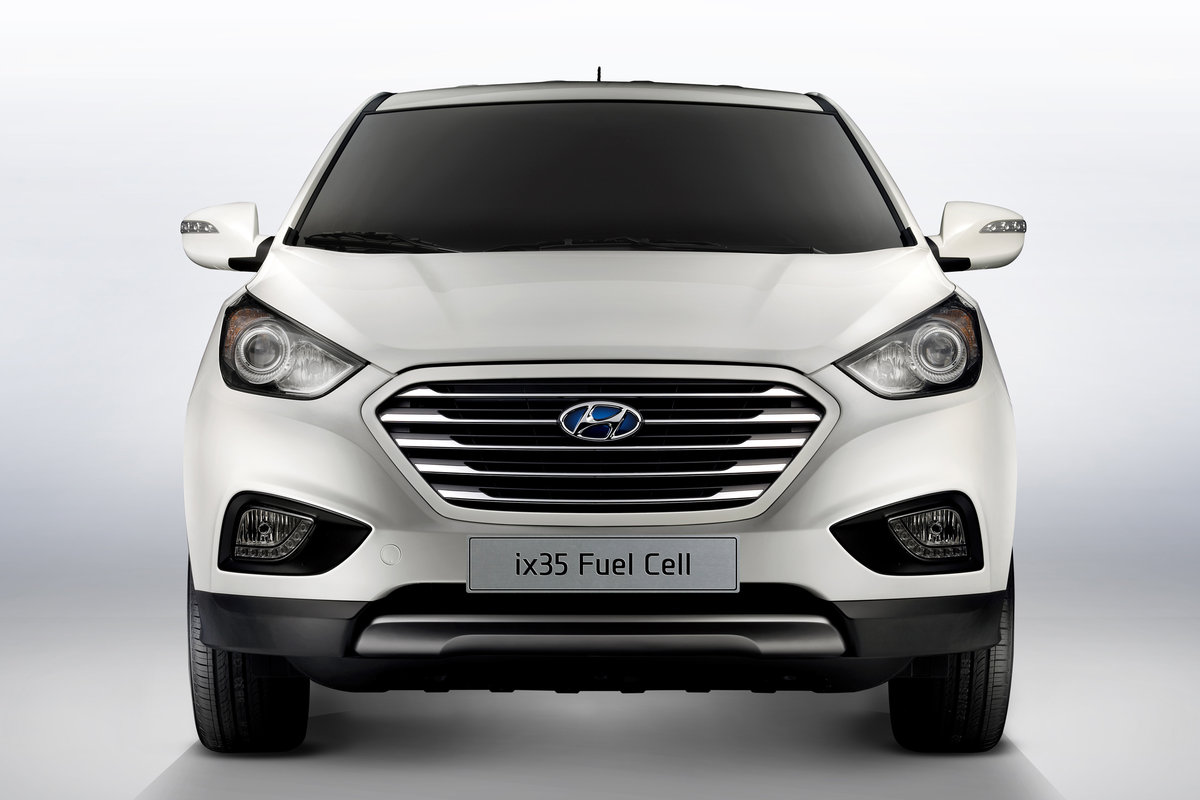 hyundai ix35 facelift whats new for 2013 model autos weblog. Black Bedroom Furniture Sets. Home Design Ideas