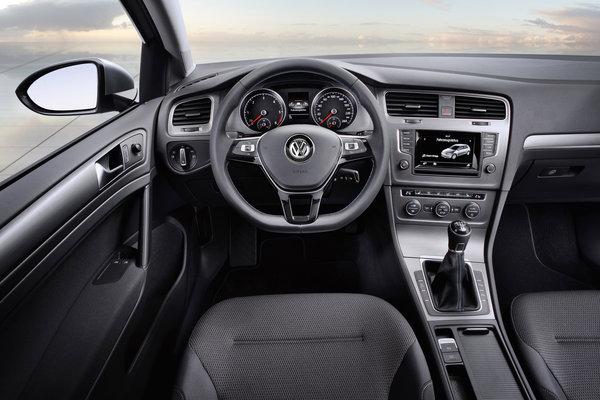 2012 Volkswagen Golf BlueMotion Interior