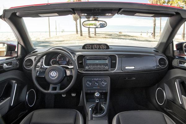 2013 Volkswagen Beetle Convertible Instrumentation