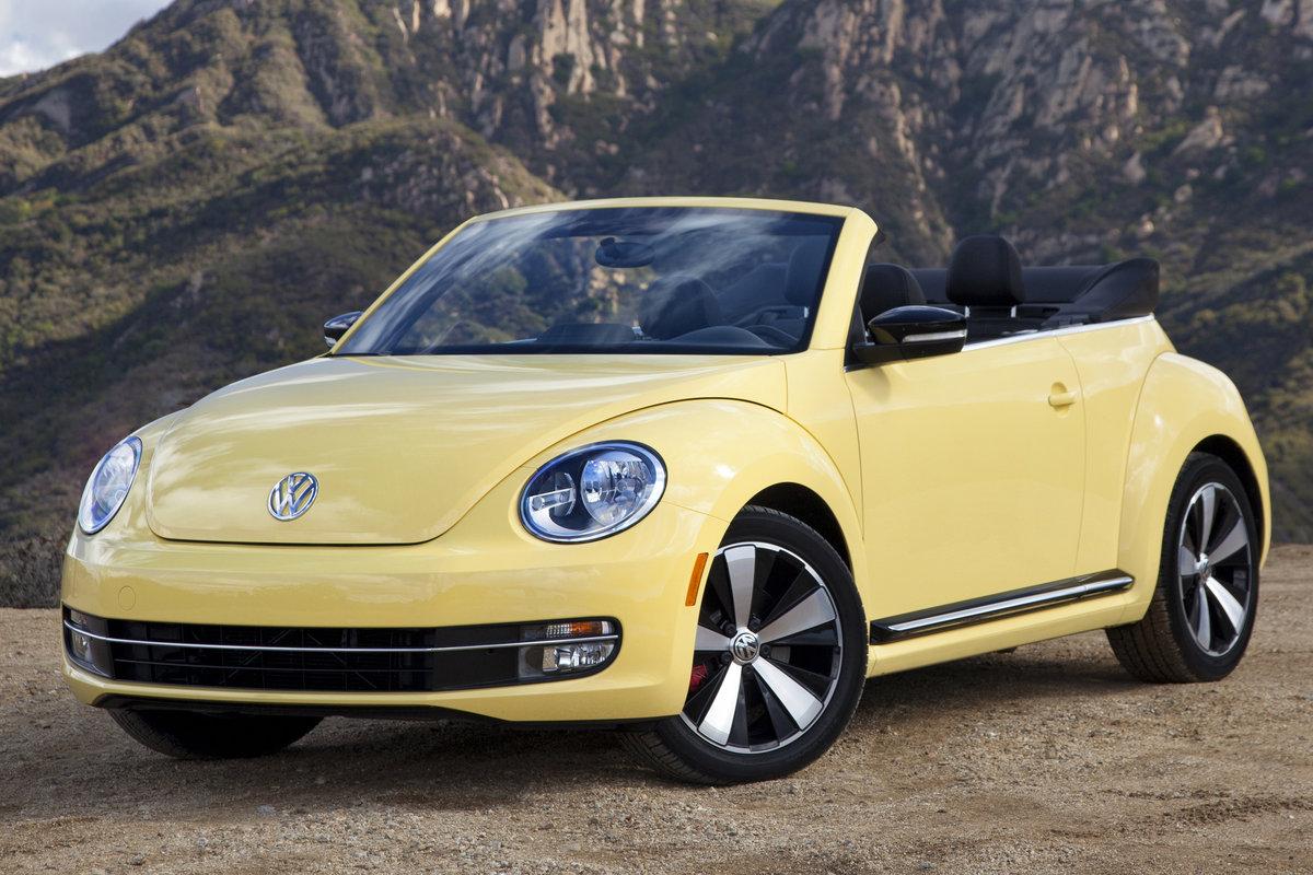2015 Volkswagen Beetle Convertible Pictures
