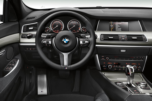 2014 BMW 5-Series Gran Turismo Instrumentation