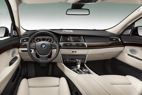2014 BMW 5-Series Gran Turismo Interior