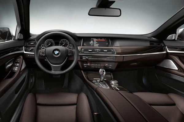 2014 BMW 5-Series sedan Interior