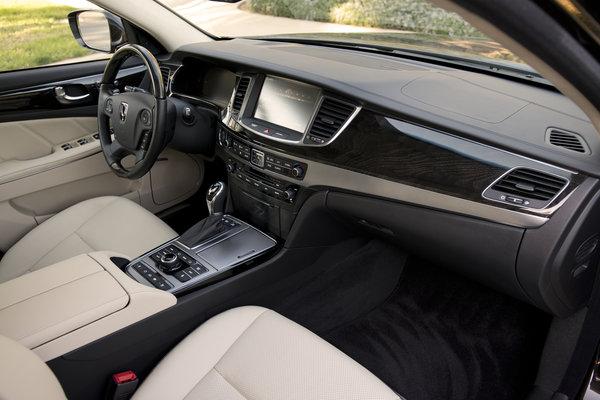 2014 Hyundai Equus Interior