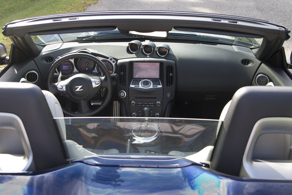 2014 Nissan 370Z Roadster Interior