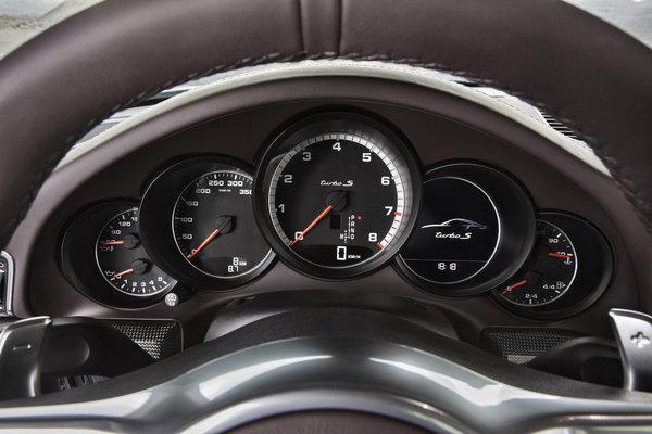2014 Porsche 911 Turbo Instrumentation