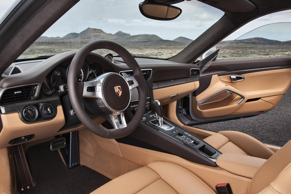 2014 Porsche 911 Turbo Interior