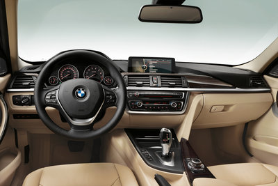 2012 BMW 3-Series sedan Instrumentation