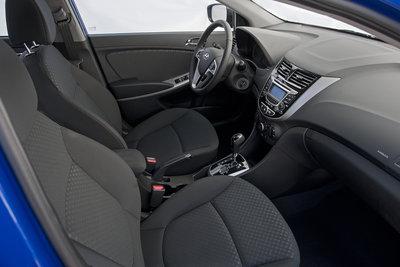 2012 Hyundai Accent 3d Interior