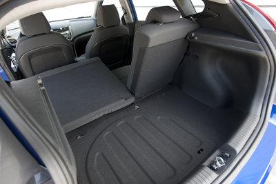 2012 Hyundai Accent 3d