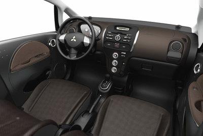 2012 Mitsubishi i Interior