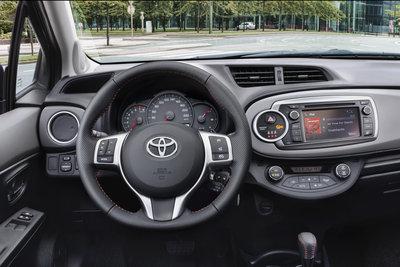 2012 Toyota Yaris Instrumentation