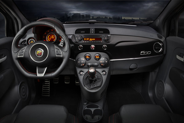 2013 Fiat 500 Abarth Instrumentation