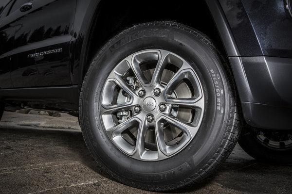 2014 Jeep Grand Cherokee Wheel