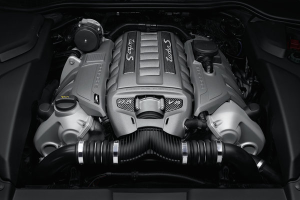 2014 Porsche Cayenne Turbo S Engine