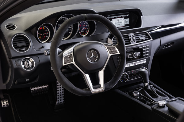 2014 Mercedes-Benz C-Class C63 AMG Edition 507 coupe Instrumentation