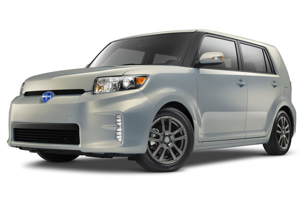 2013 Scion 10 Series xB