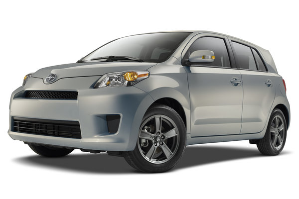 2013 Scion 10 Series xD