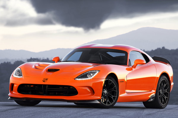 2014 SRT Viper TA Orange limited edition