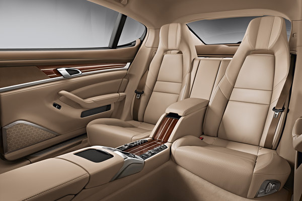 2014 Porsche Panamera Interior