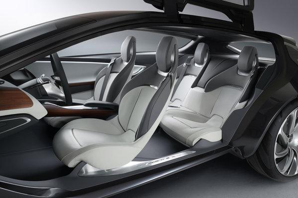 2013 Opel Monza Interior