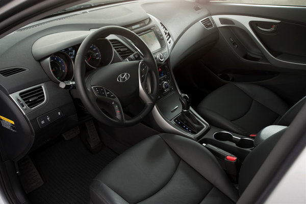 2014 Hyundai Elantra Limited sedan Interior