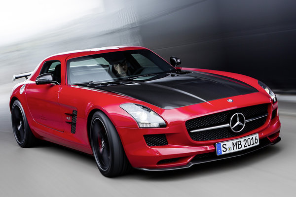 2015 Mercedes-Benz SLS AMG GT Coupe Final Edition