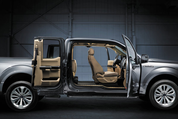 2015 Ford F-150 Extended Cab Interior