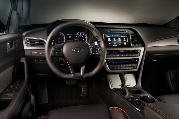 2015 Hyundai Sonata 2.0T Interior