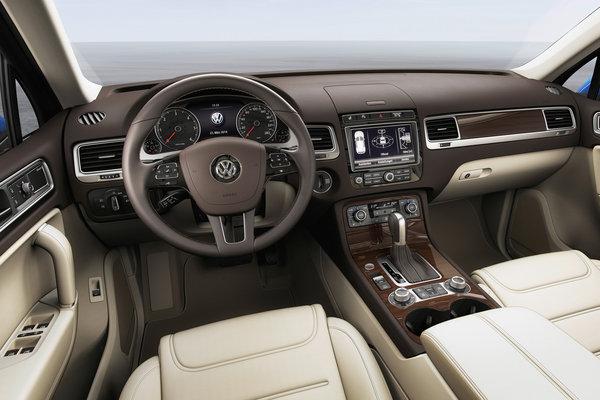 2015 Volkswagen Touareg Interior